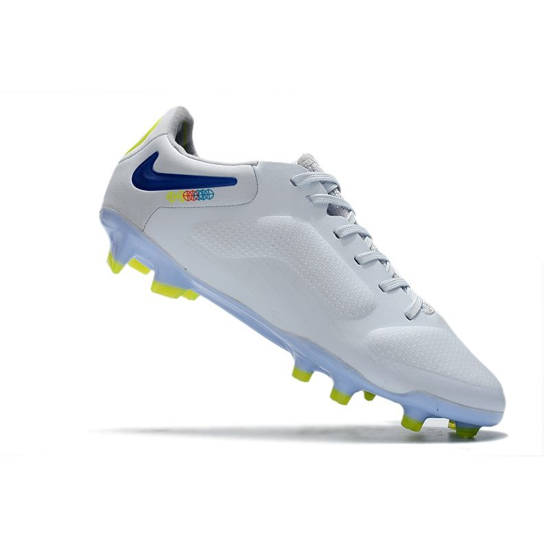 nike 2015 2016 crampon hypervenom phantom 2 fg acc or noir blanc. Black Bedroom Furniture Sets. Home Design Ideas