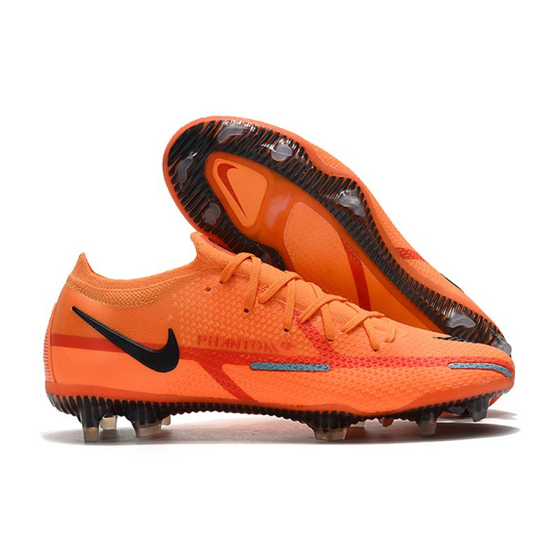 crampon de foot nouvelle cristiano ronaldo nike mercurial. Black Bedroom Furniture Sets. Home Design Ideas